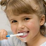 bebeklerin dişleri nasıl temizlenir